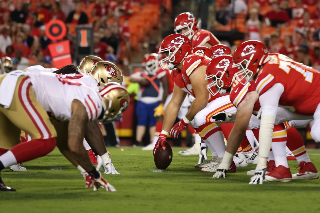 Line of scrimmage before the snap during an NFL game between the San Francisco 49ers and Kansas City Chiefs