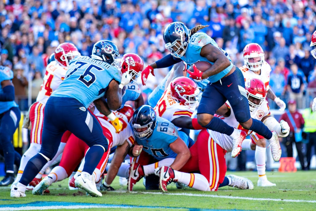 Tennessee Titans running back leaps into the endzone for a touchdown against the Kansas City Chiefs