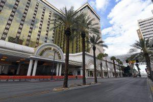 las vegas casinos closed and empty, casinos close nationwide, las vegas