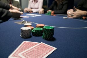 how to play poker budget