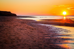 sun set on cavendish beach pei, online gambling in pei