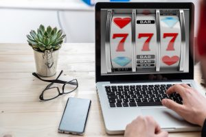 north carolina man wins online lottery