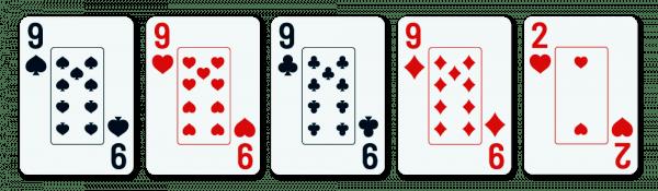 viisi pelikorttia, joista neljä on samanarvoisia (9) ja yksi on sivukortti (2)