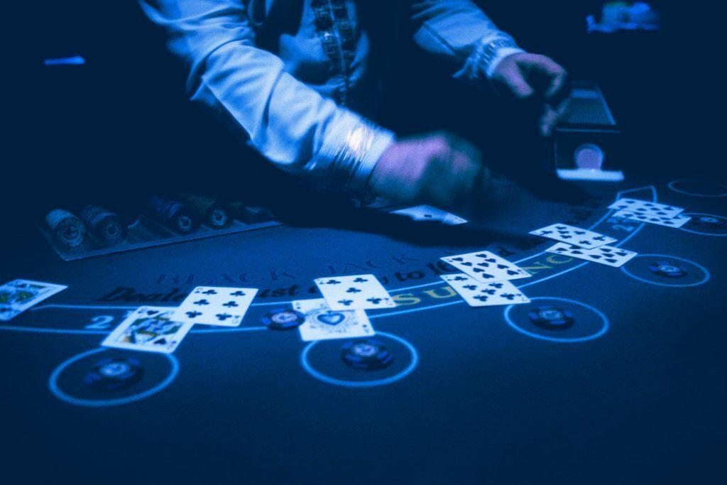 blackjack bust dealing