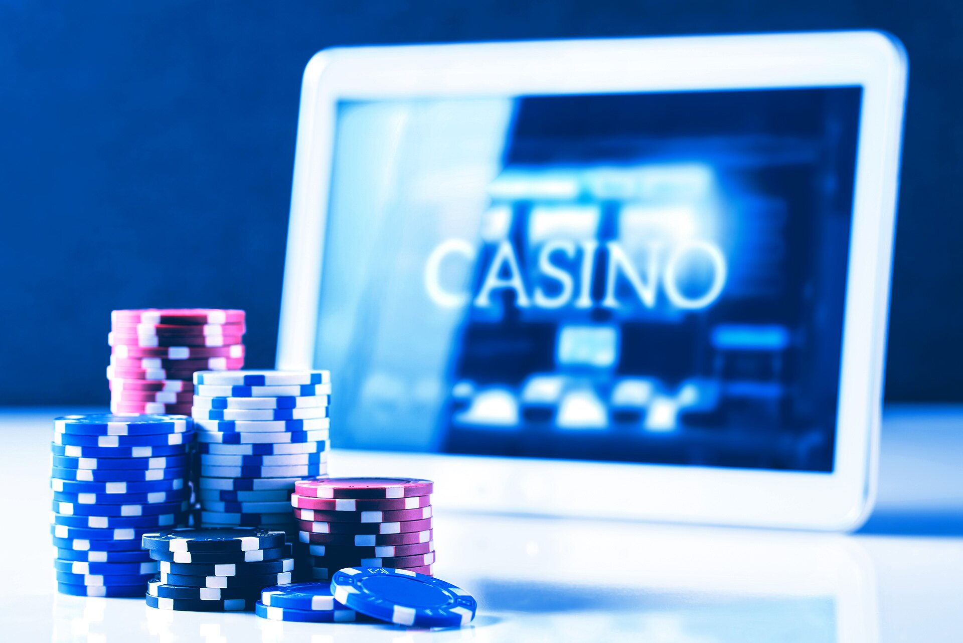 Learn which legitimate USA casinos the experts consider to be worth their weight in gold.Our detailed review of what components are necessary for a brand to be considered a safe US online casino can ensure you land a the most trusted, reputable, and honest American casinos on the Web.