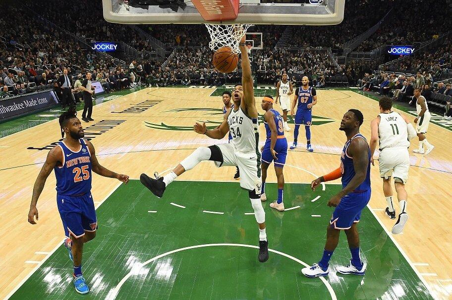 Giannis dunks against the New York Knicks