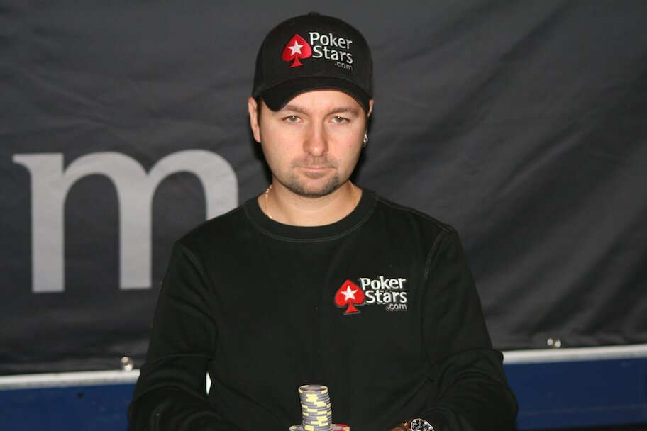 https://www.gambleonline.co/app/uploads/2021/01/negreanu-1.jpg