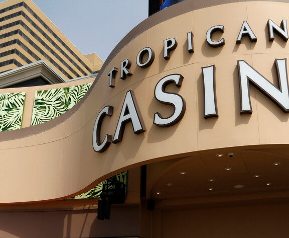 Man Wins $1.1M Progressive Poker Jackpot