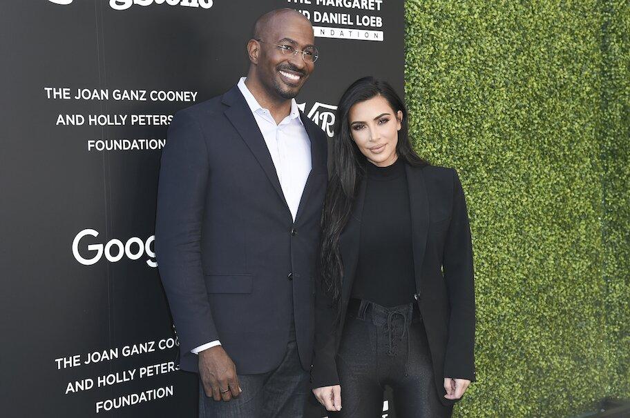 kim kardashian dan van jones di berbagai KTT Reformasi Keadilan Pidana Rolling Stone