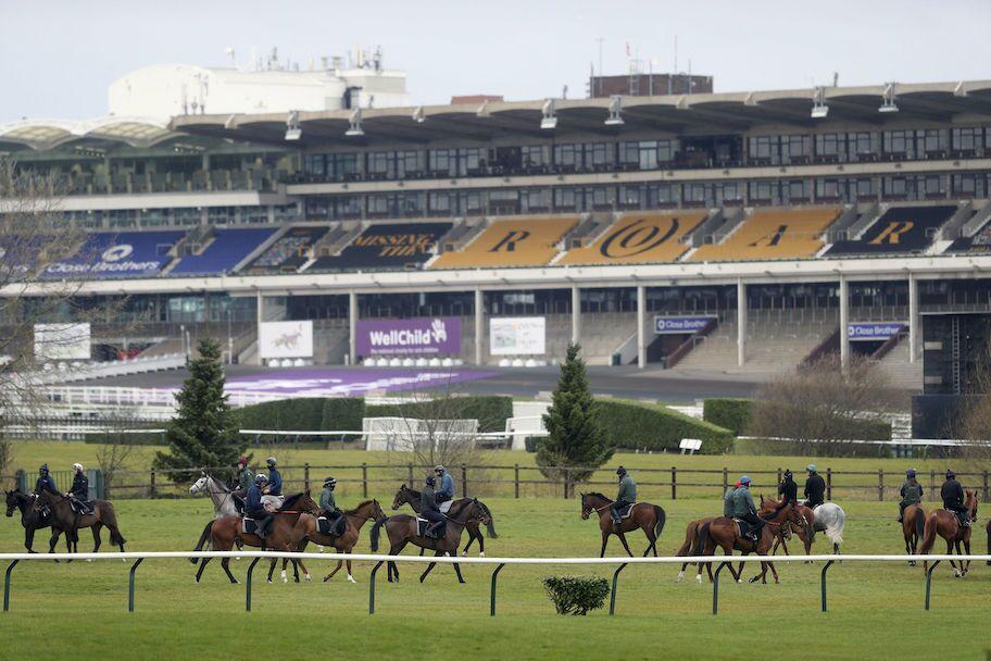 Pacuan Kuda Piala Emas Cheltenham Inggris