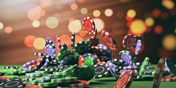 a picture of casino chips