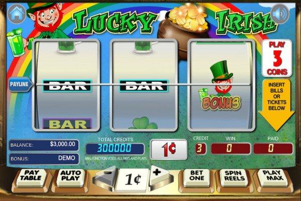 tangkapan layar Lucky Irish, permainan slot tradisional tiga gulungan dengan kontrol di sepanjang bagian bawah.  Slotnya diatur di depan pelangi dan pot emas, dan simbolnya adalah campuran dari simbol 'batang', dan citra Irlandia seperti shamrocks dan leprechaun.