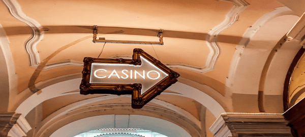 casino sign with arrow pointing right