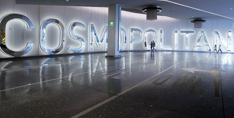 papan nama kosmopolitan di buku olahraga kosmopolitan di vegas