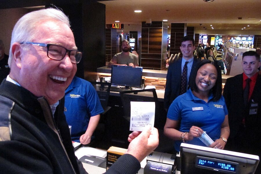 Ron Jaworski makes a bet with william hill sportsbook in tropicana casino