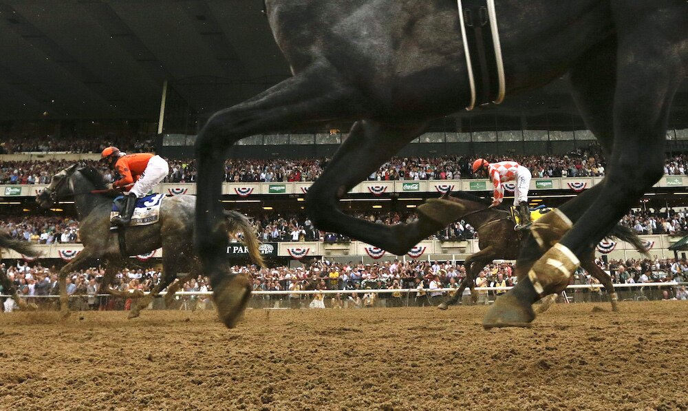 cherry wine and suddenbreakingnews hooves racing during 148th belmont stakes horse racing