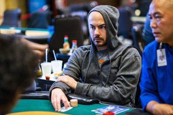 Elio Fox di poker langsung merasa