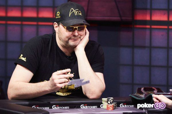 Phil Hellmuth Throwing Cards